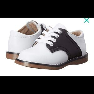 New in box white/black cheer shoes
